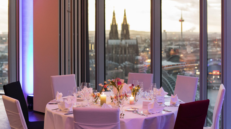 IDS 2019 / Abendessen aus Anlass der Eröffnung der IDS 2019 im KölnSky.