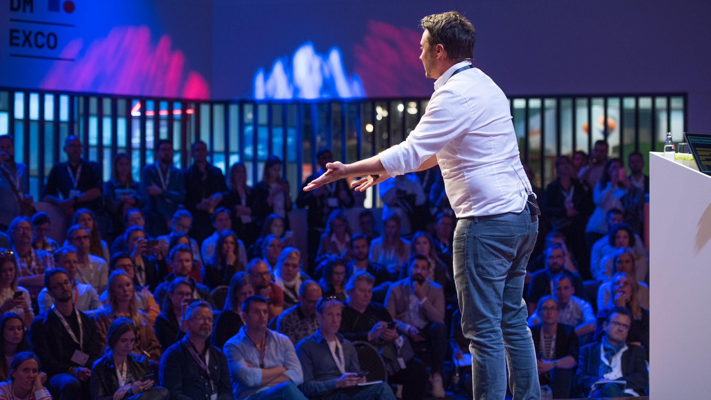 Demo Arena: So geht erfolgreiches Messenger Marketing nach dem Ende der WhatsApp Newsletter! Speaker: Matthias Mehner, DMEXCO 2019