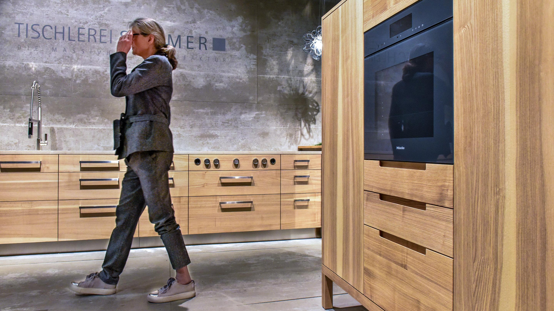 Stand: Sommer, Natürlicher Wohnen,  Pure Atmospheres, Küche, braun, Halle 11.1, imm cologne 2020
